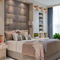 Кровать на платформе в интерьере спальни 12 кв м