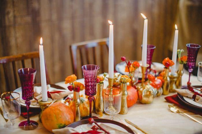 Декорирование свадебного стола с помощью свечей
