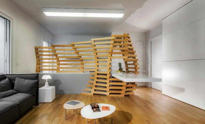 вариант применения перегородки в декоре квартиры