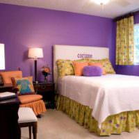 пример яркого интерьера спальни картинка