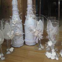 идея необычного оформления стиля свадебных бокалов фото