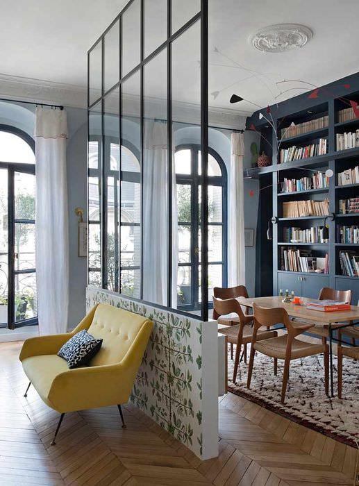 пример применения перегородки в дизайне квартиры