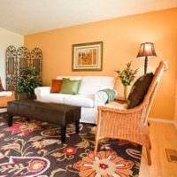 вариант сочетания яркого персикового цвета в интерьере квартиры картинка