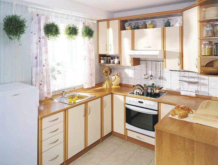 пример красивого стиля окна на кухне