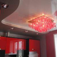 пример необычного стиля потолка кухни картинка