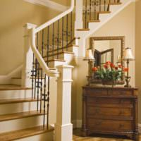 пример светлого дизайна лестницы картинка