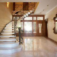вариант светлого стиля лестницы картинка