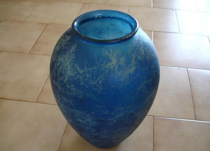 Старая ваза для изготовления интерьерной поделки в технике папье-маше