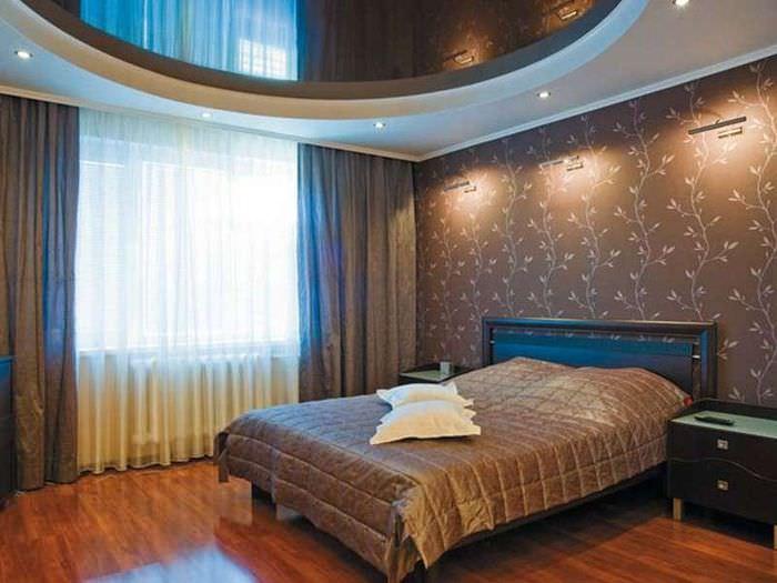 Спальня 12 кв метров с натяжным зеркальным потолком