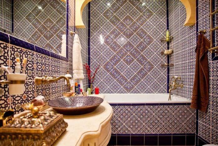 Отделка мозаикой ванной комнаты в английском стиле