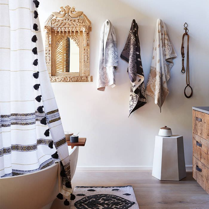 Интерьер ванного помещения в богемном стиле