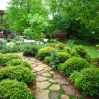 Садовая тропинка из натурального камня