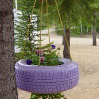 Висячая клумба из автопокрышки для декора сада