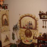 Декоративный камин на стене кухни своими руками