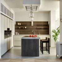 Деревянная панель на стене кухни своими руками