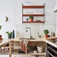 Открытые полки в декоре кухонного пространства