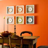 Декоративные тарелки в интерьере кухни