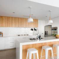 Стильная барная стойка на кухне