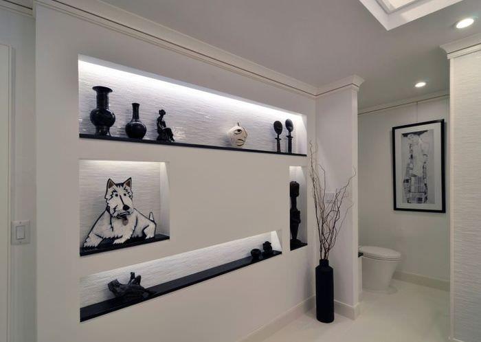 Ниши для декораций в интерьере современной комнаты