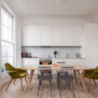 Столовая зона в квартире-студии