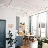 Гирлянды в дизайне освещения квартиры