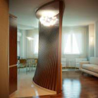 Яркое освещение оригинальной перегородки в квартире