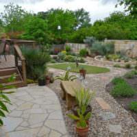 Гравийные дорожки в дизайне сада