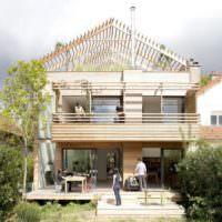 Пергола на крыше загородного дома
