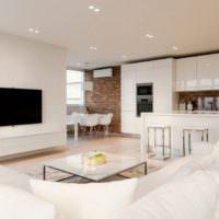 Глянцевое покрытие мебельных фасадов в однушке панельного дома