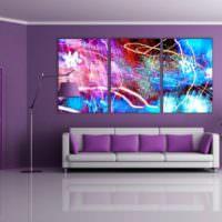 Абстрактная живопись в фиолетовой гостиной
