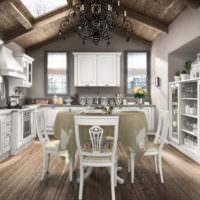Деревянный потолок на кухне-гостиной