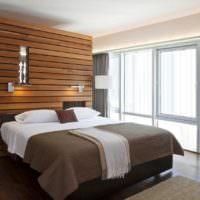 Декоративная стойка за изголовьем кровати