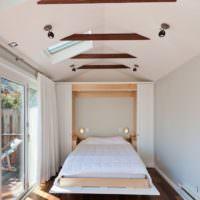 Ниша для потайной кровати в узкой спальне