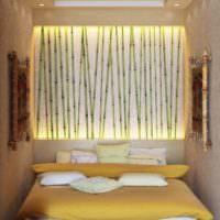 Декорирование ниши над кроватью бамбуковыми палками