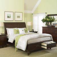 Светлые оливковые оттенки в дизайне спальни