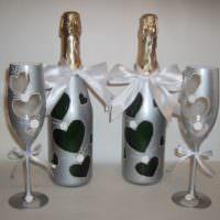 Декор бутылок шампанского в сером цвете