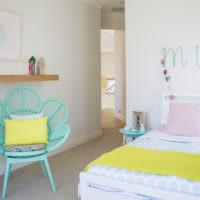Желтый и мятный цвета в декоре спальни