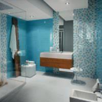 Сочетание белой и голубой мозаики в ванной