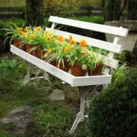 Скамейка-клумба для декорирования сада