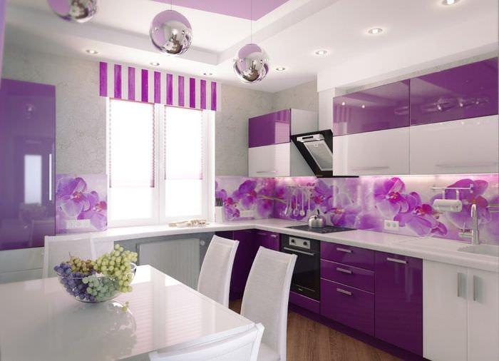 Лавандовый цвет в интерьере городской кухни
