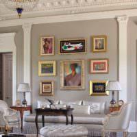 Рельефный карниз с лепниной в гостином помещении