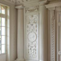 Фото декорирования стены лепными элементами