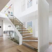 Ламинат в отделке ступеней лестницы