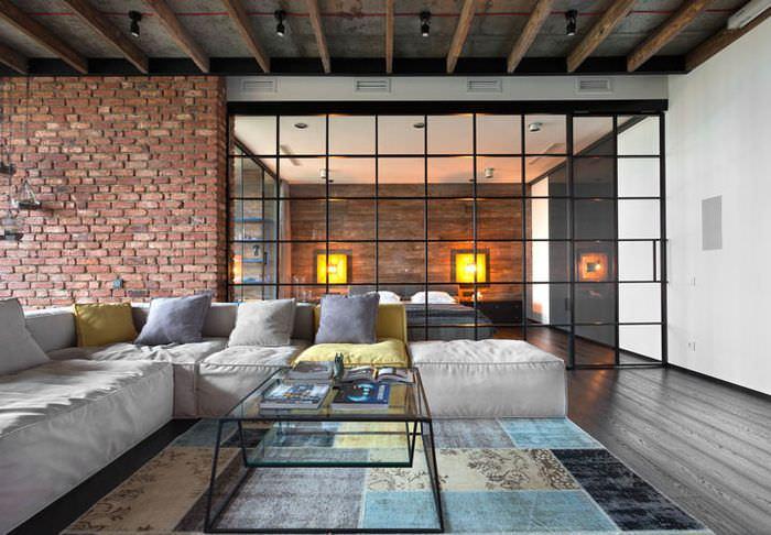 Модный дизайн гостиной в стиле лофт