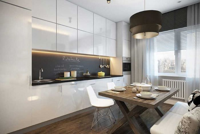 Линейная планировка кухонного пространства с плитой посередине
