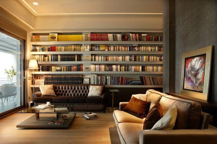 Библиотека в рабочем кабинете мужской квартиры