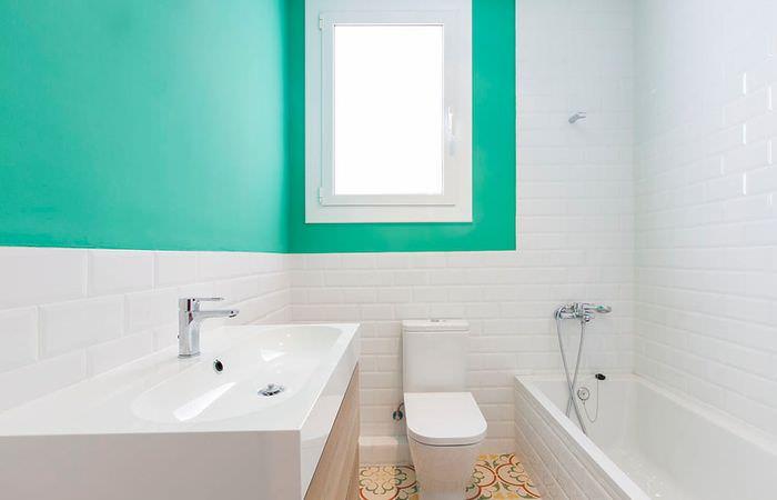 Мятный цвет в интерьере ванной комнаты