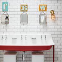 Буквы в дизайне ванной комнаты