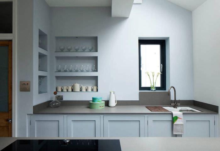 Ниши для посуды в интерьере кухни