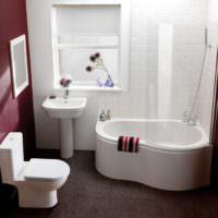 Интерьер компактной совмещенной ванны
